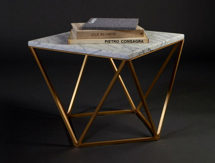 Let Us Show You The Perfect Minimalist Center Table For You | No need to search anymore! We have found a center table that will for sure fulfill all of your desires. #centertables #livingroom #minimalistdesign #interiordesign #homedecor Minimalist Center Table Let Us Show You The Perfect Minimalist Center Table For You featured3 740x560